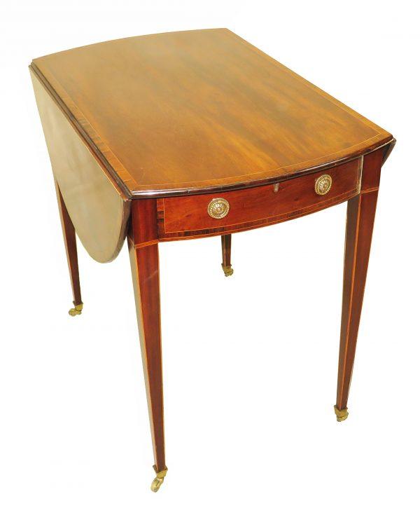 Georgian 18th Century Mahogany Oval Pembroke Table